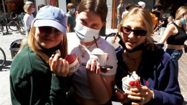 ijsje eten (1)