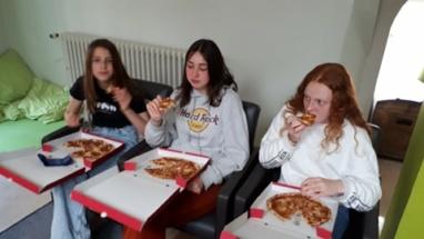 pizza eten (13)