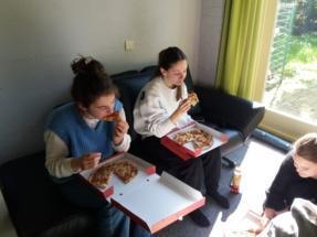 pizza eten (3)