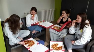 pizza eten (4)